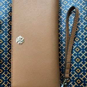 Tory Burch Wallet with Wristlet